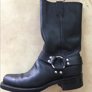 Frye Harness. Boots . Excellent condition, size 9